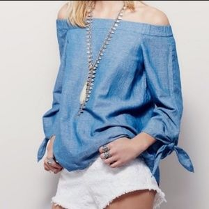 FREE PEOPLE Top XS Chambray Cold Shoulder Blue